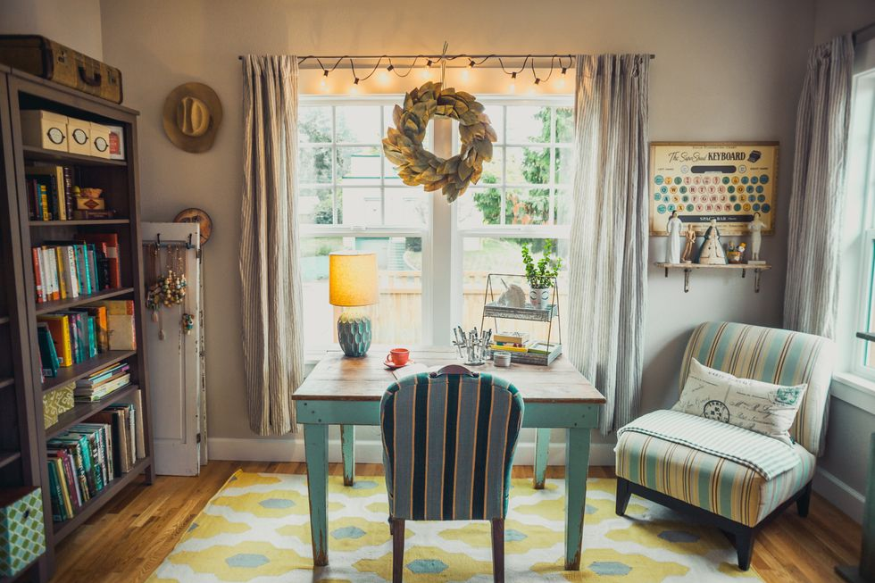 8 Lighting Tips That'll Help Your Room Shine As Bright As Your Personality