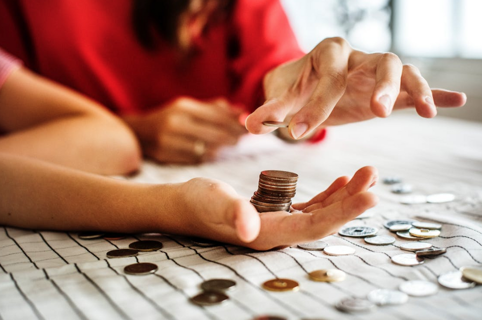 8 Easy Ways to Make Money in College