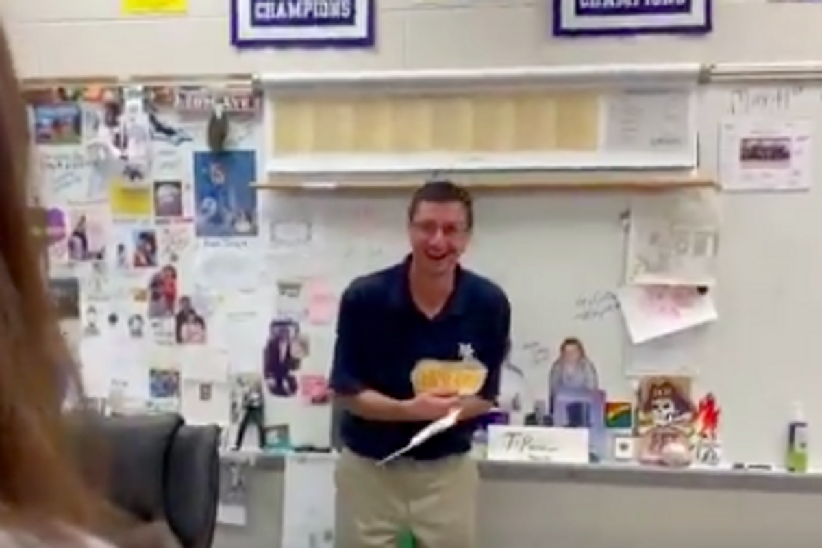 This teacher's been trying to get 'Hamilton' tickets for years. Then his students stepped up.