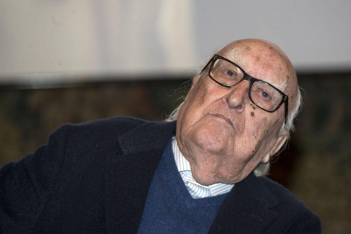 Camilleri elogiava l'Unione sovietica ma vomita per il rosario di Salvini