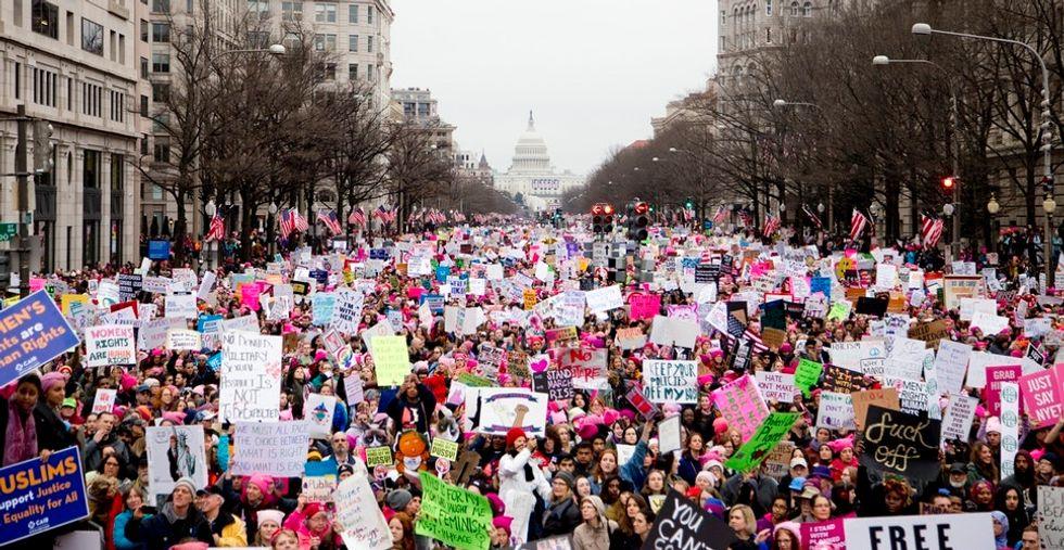 https://cdn.cnn.com/cnnnext/dam/assets/160302172858-texas-abortion-law-0302-exlarge-169.jpg