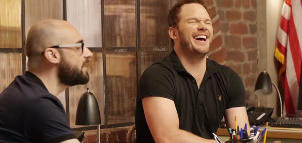 Watch the hilarious star of 'Jurassic World' get a lesson on dinosaurs.