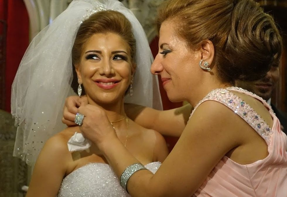 14 photos of a Syrian wedding show just how resilient love can be.