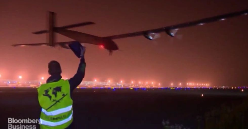 Meet the plane that's making its way around the world without using a single drop of fuel.