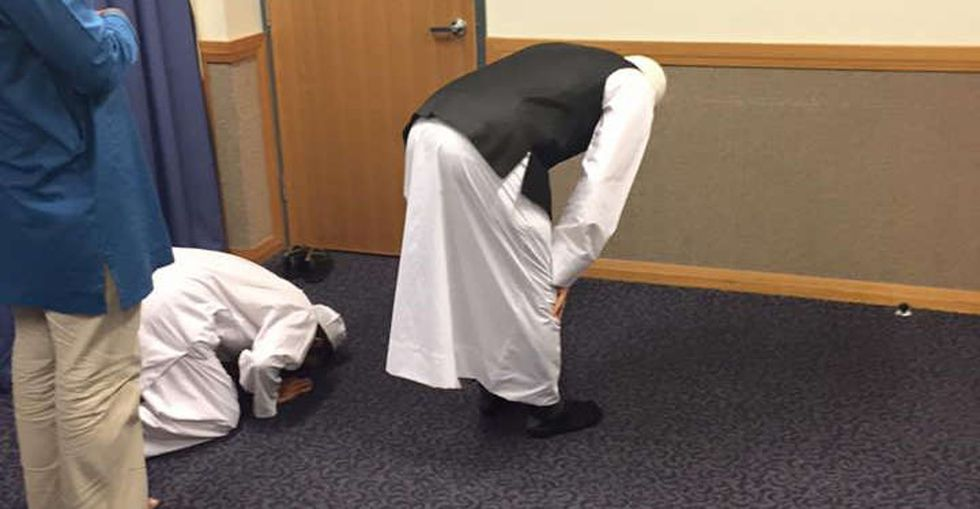 These photos of Muslims praying in a Mormon church are the right response to hate.