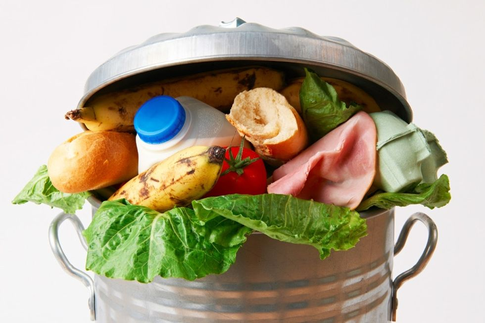 This app reduces how much food gets thrown away at grocery stores. How does it work?
