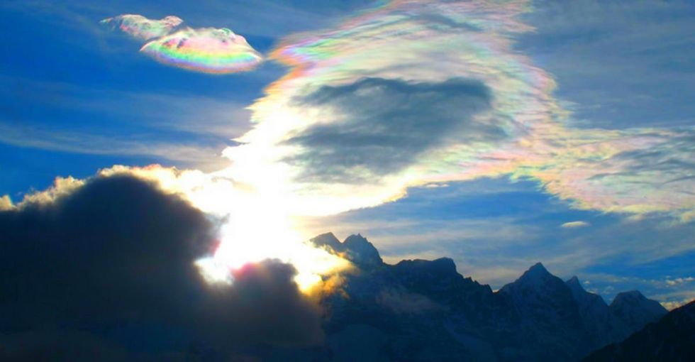 4 points later, you'll understand rainbow clouds.