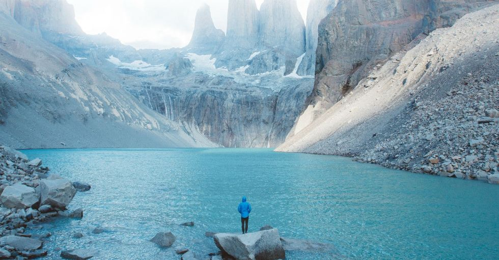 This 23-year-old travels the world to show how big it is. Here are 7 of his photos.