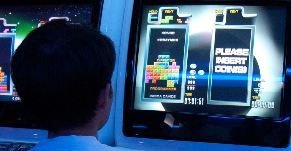 See what researchers found when people played Tetris after witnessing traumatic events.