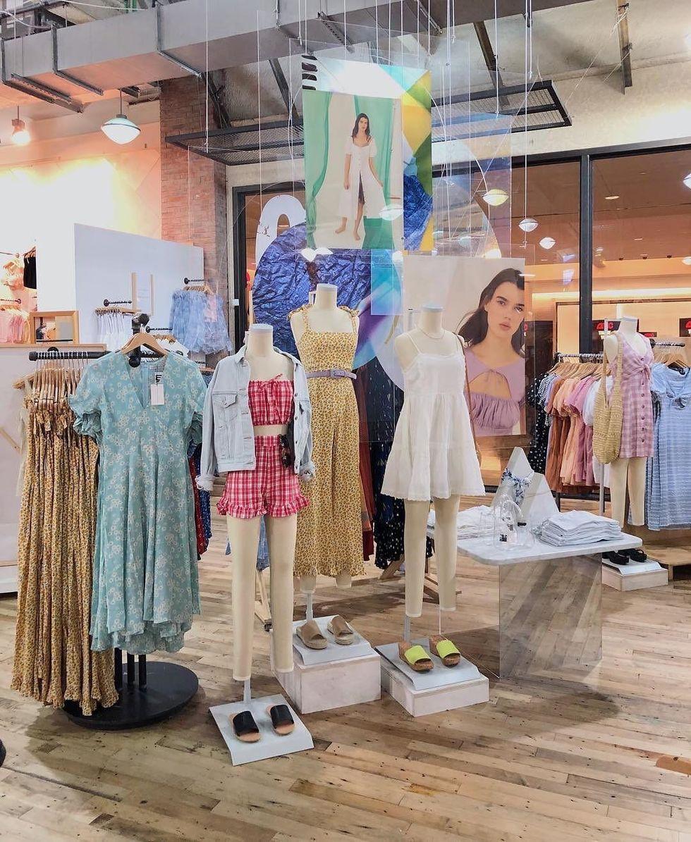 5 Summer Wardrobe Essentials Your Closet Needs Right Now