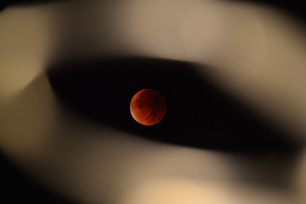He spent 5 hours shooting the supermoon eclipse. When he finally posted, the Internet went wild.