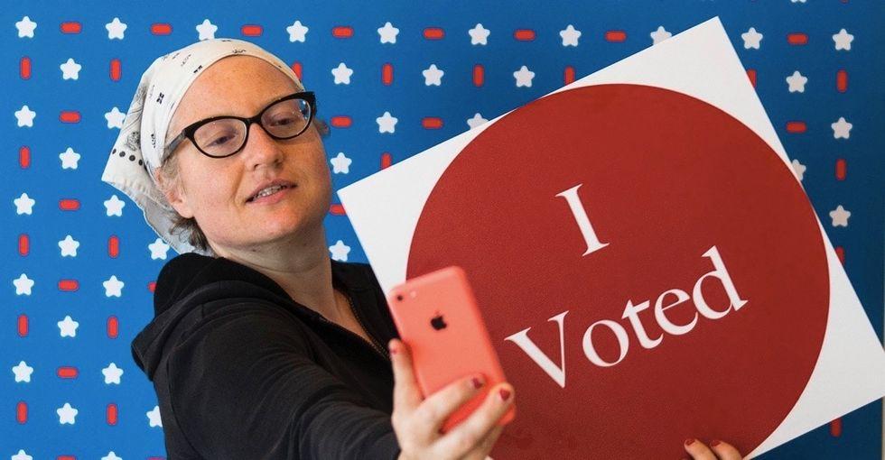 18 states ban ballot selfies, and the reason actually makes some sense.