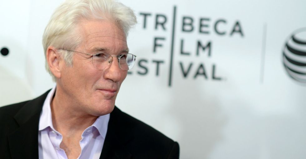 Richard Gere dealt with a fake viral story about himself in the best way possible.