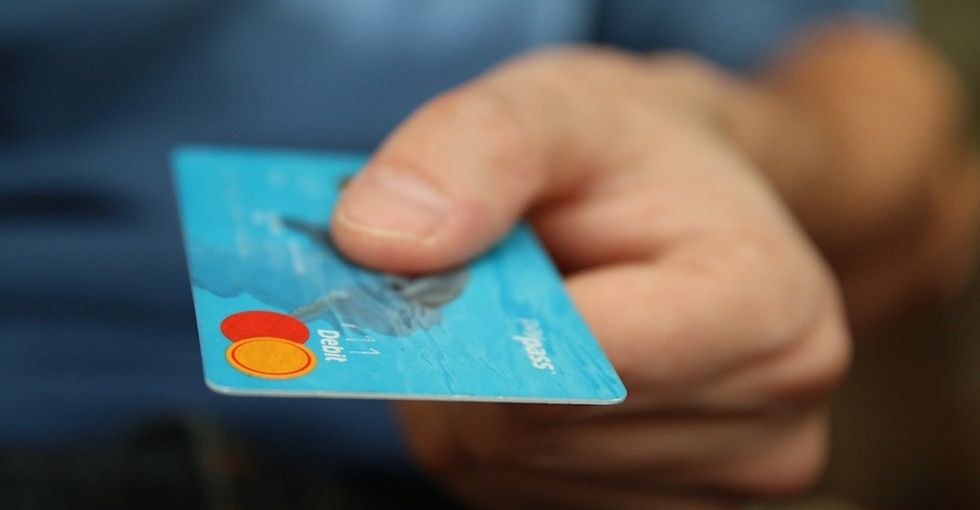 These 5 money-saving details about your credit card are unforgettable.