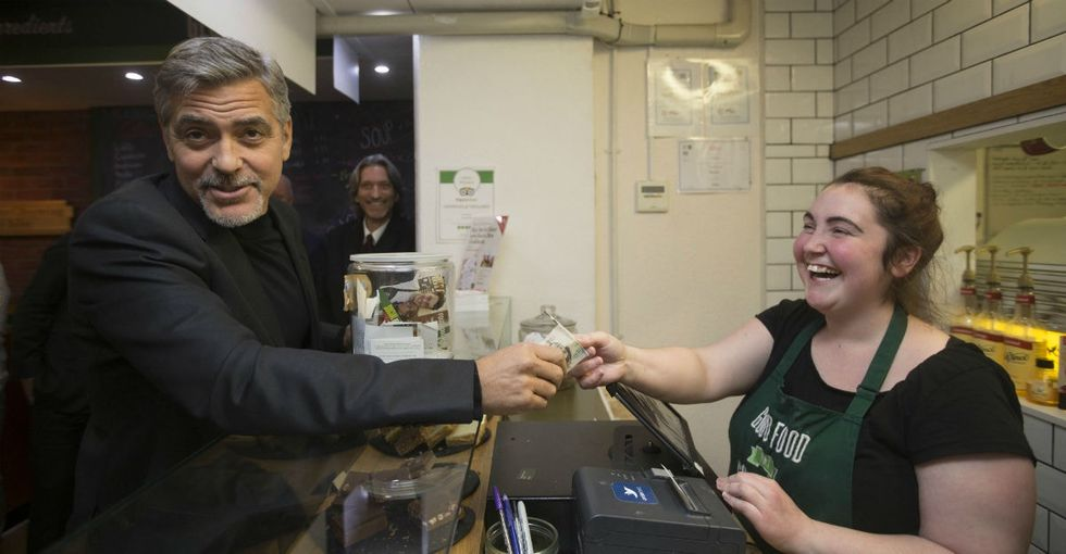 5 pics from George Clooney's selfless sandwich run in Scotland.