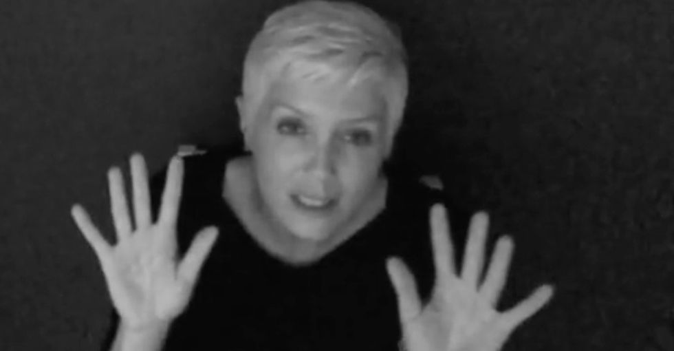 This American Sign Language cover of Adele's 'Hello' is the most stunning thing I've seen all week.