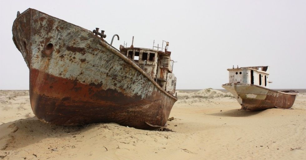 14 eerie photos show how this sea became a desert, and how it's finally being revived.