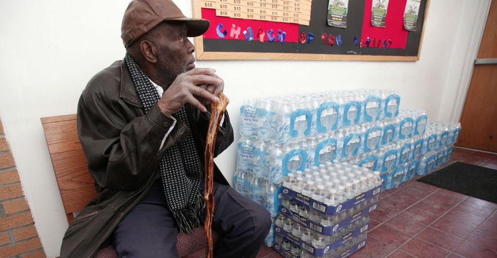 21 facts and photos behind Flint's devastating water crisis.