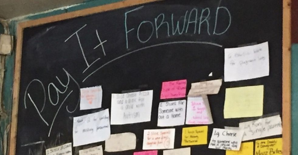 A Florida pizzeria came up with a simple but smart way for customers to pay it forward.