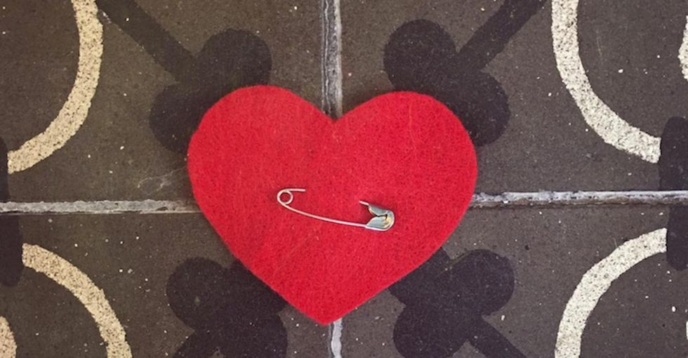 These 2 women are starting a heartfelt revolution ... with felt hearts.