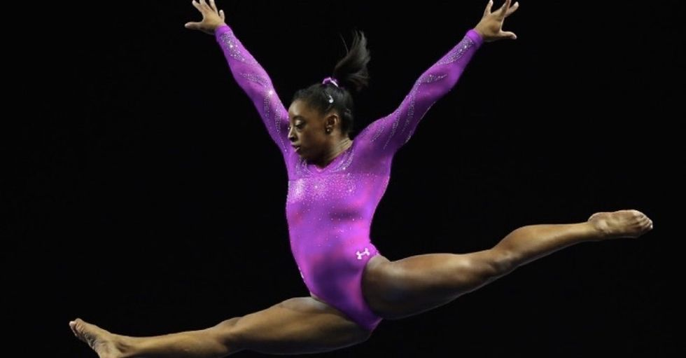 9 reasons to be a little obsessed with elite gymnast Simone Biles.