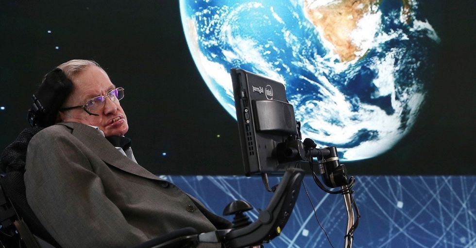 Stephen Hawking's amazing plan for getting us to the alien star Alpha Centauri.