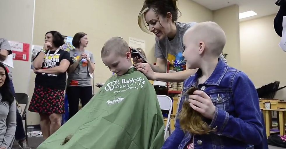 After she was diagnosed with cancer, her classmates came to the rescue.