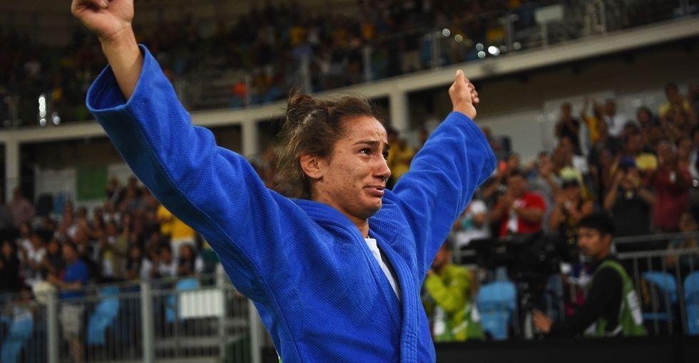 Majlinda Kelmendi just won Kosovo's first ever Olympic gold medal.