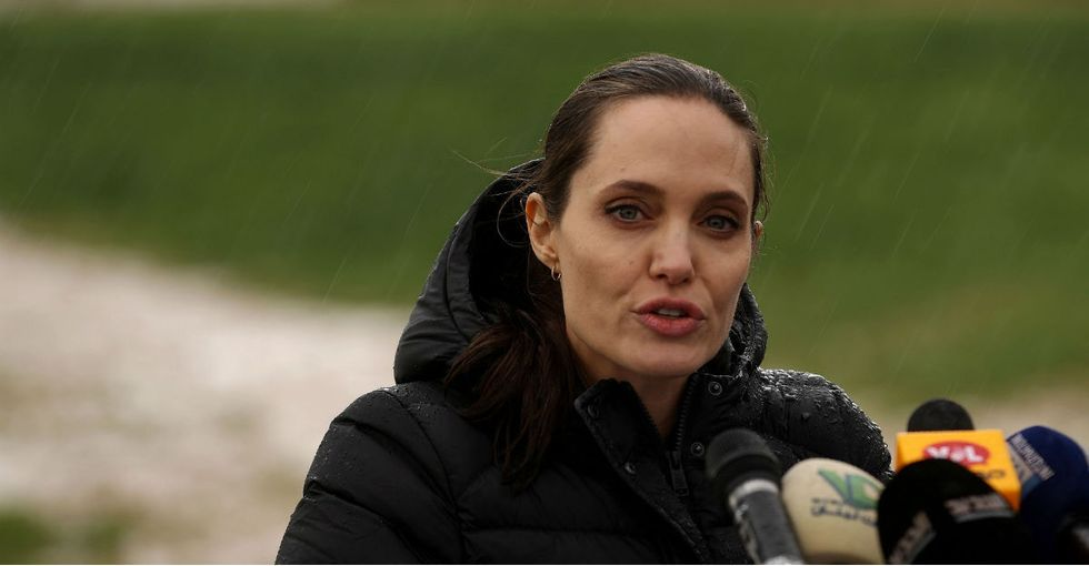 12 pics of Angelina Jolie demanding the world help Syrian refugees.