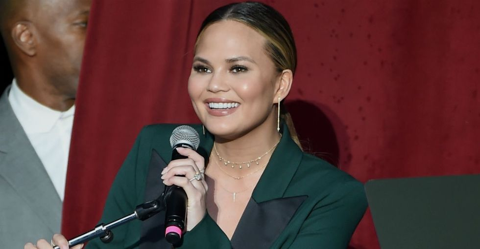 Why Chrissy Teigen's stretch-mark selfie actually matters.