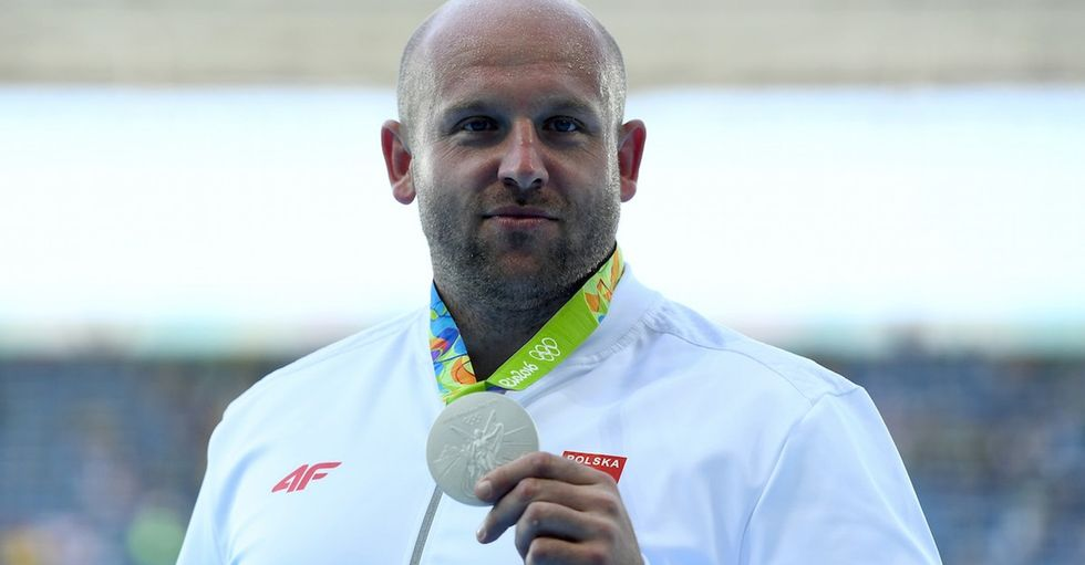 A boy needed $126,000 for cancer treatment. This athlete sold his Olympic medal to help.