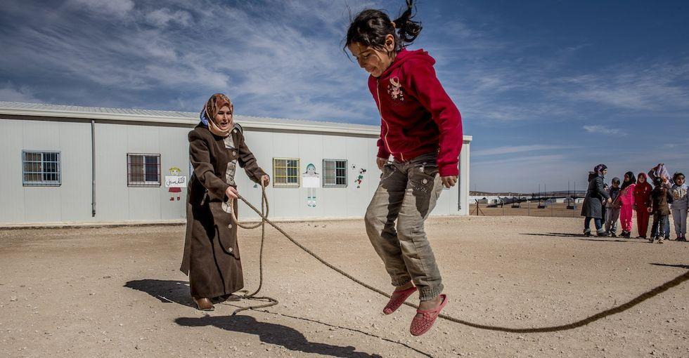 These 10 photos of a refugee school show what the media won't: hope.