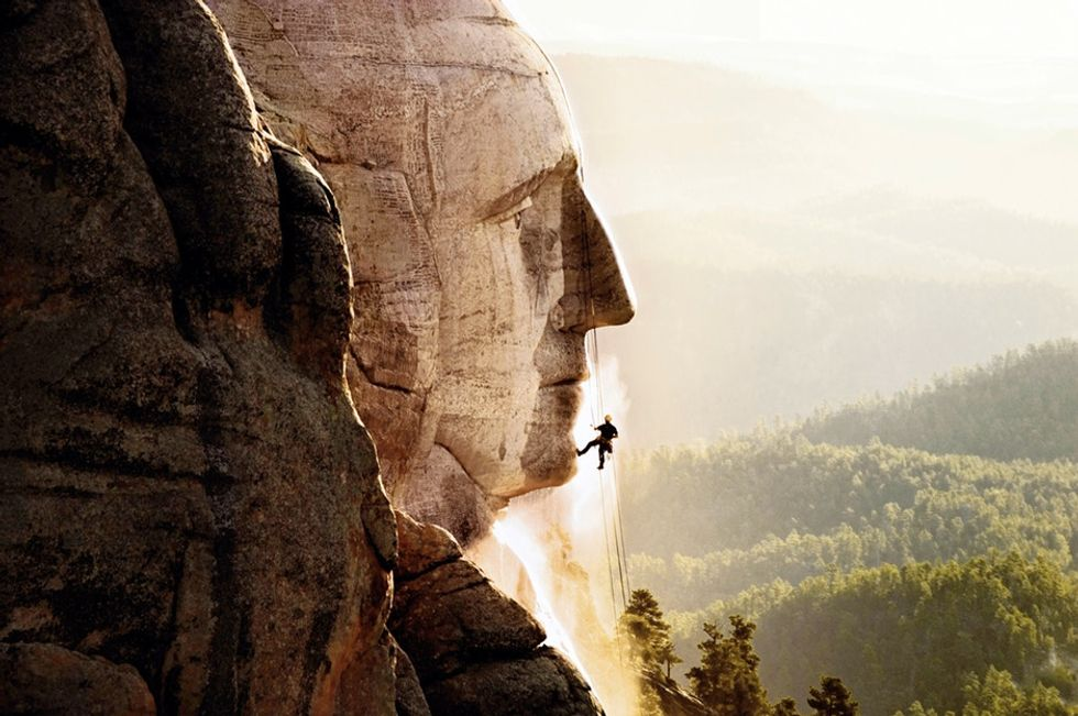 It's someone's job to scrub Mount Rushmore, and the pictures are amazing.
