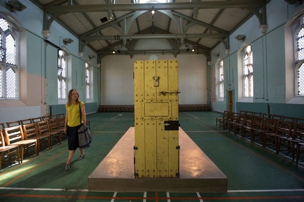 116 years after Oscar Wilde's death, the prison that housed him opens its doors.