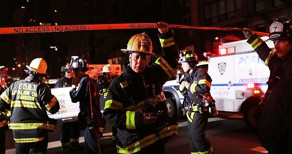 This man's thank-you to Chelsea first responders represents the best of New York.