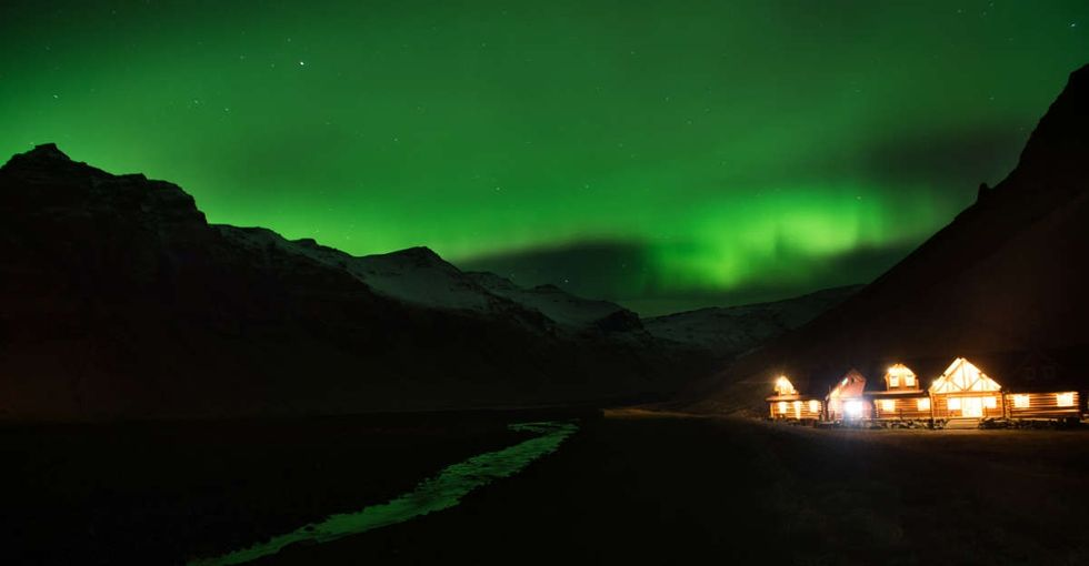 6 spectacular photos of the northern lights like they would have been seen 200 years ago.
