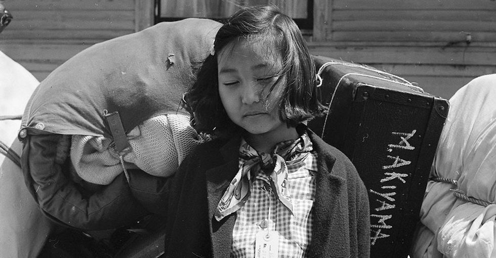 21 powerful photos show what life inside a Japanese internment camp was like.
