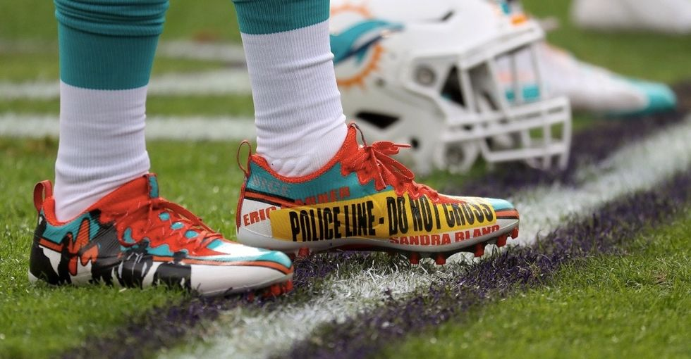 The NFL let players break a rule this weekend. About shoes. For a good cause.