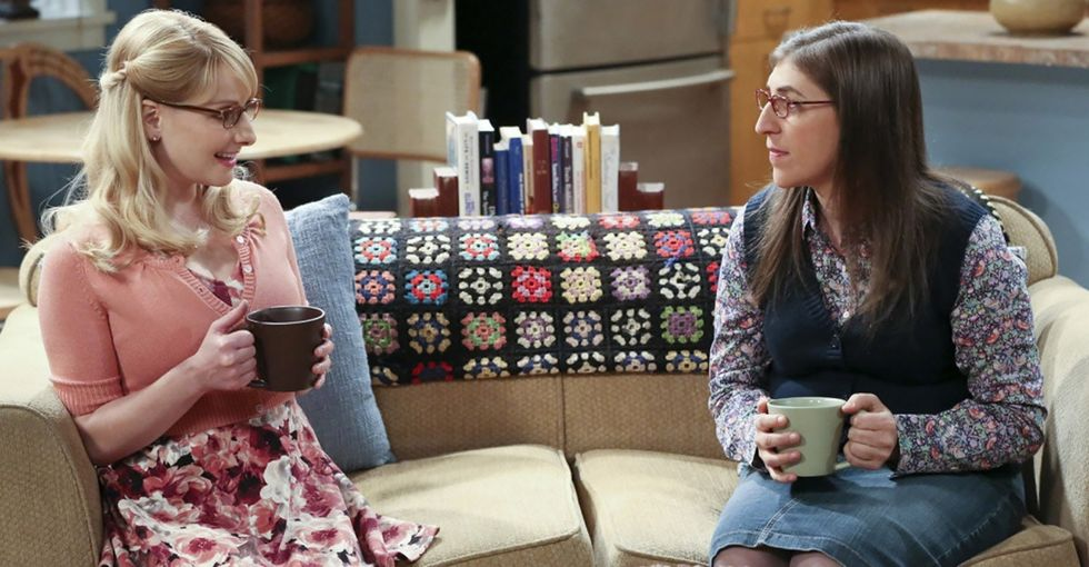 5 'Big Bang Theory' actors agree to a pay cut so their female co-stars can earn more.