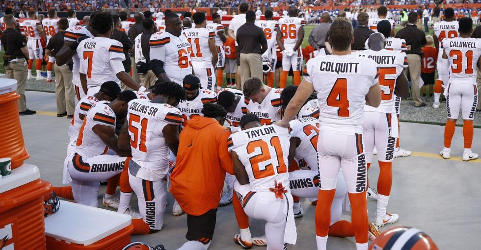 Finally, a white player knelt during an NFL protest — the biggest one so far.