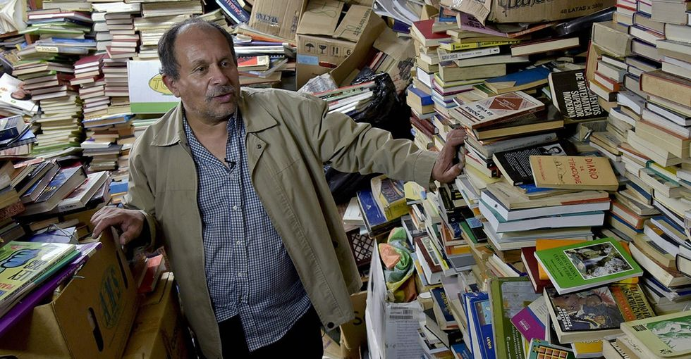 A garbage man saved 25,000 books and turned them into a library. The pictures are amazing.