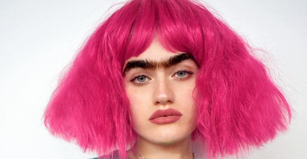 This model's unibrow is a powerful response to toxic beauty standards.