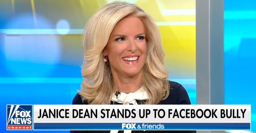 A troll called this Fox News host's legs 'distracting.' Here's her mic-drop response.
