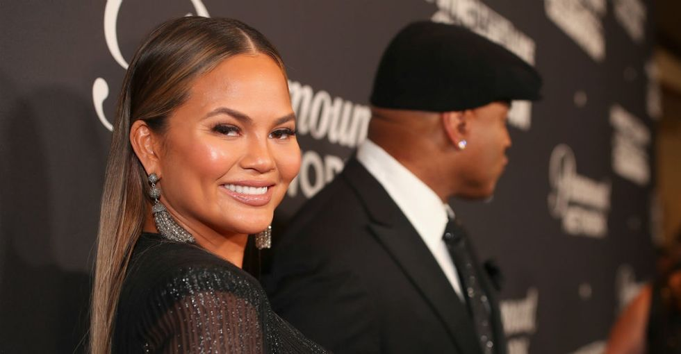 A Chrissy Teigen tweet sparked a great convo about maiden names: To keep or not to keep?