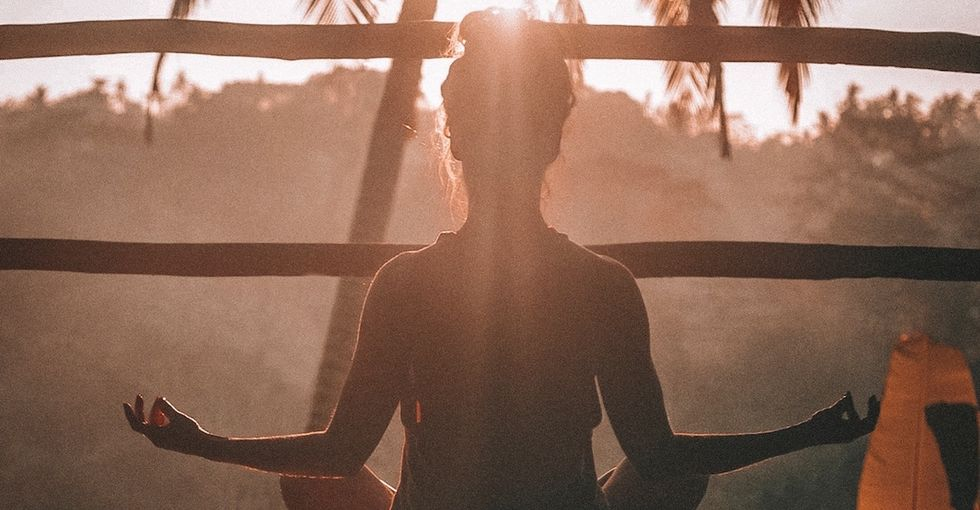 17 super simple habits that can help people handle anxiety.