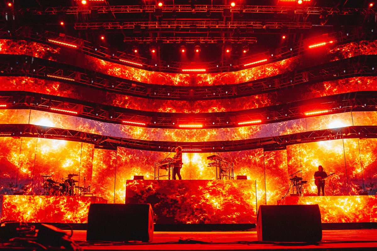 How Gryffin's Stage Design Tells the Story of the Universe