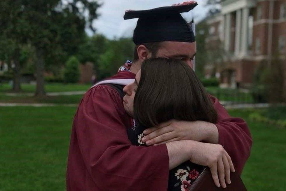 Having Senior Friends Graduate Is Way Worse When You're In College