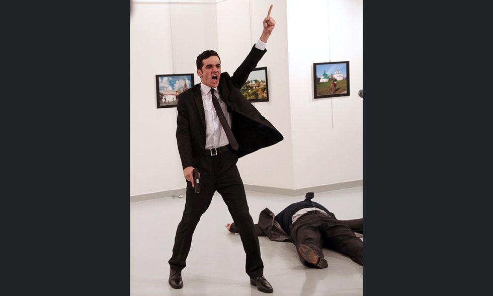 World Press Photo 2017 - Burhan Ozbilici