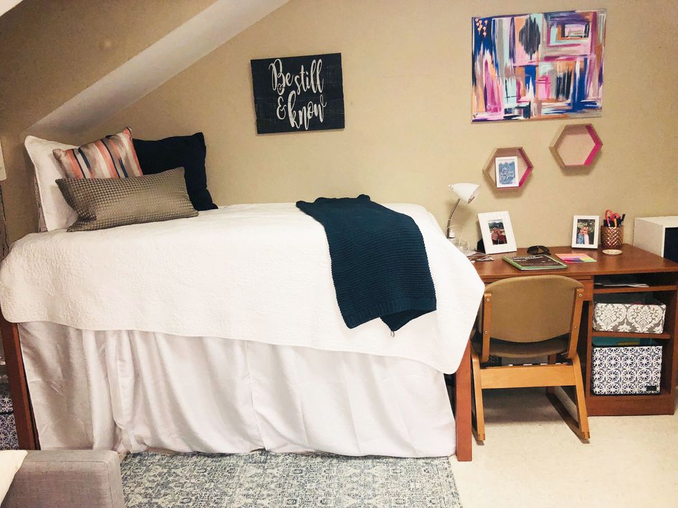50 Basic Items From Amazon Every College Student Needs In Their Dorm Room