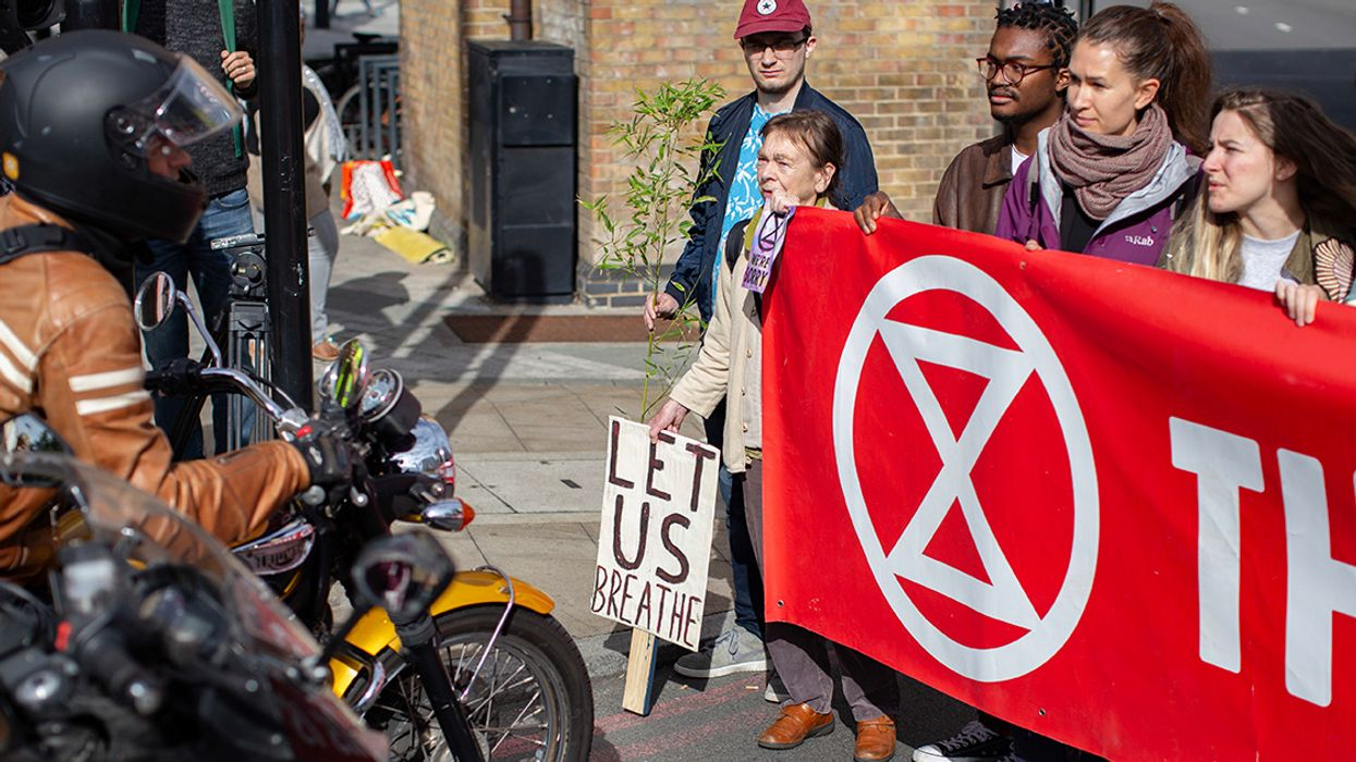 Protesting Against Air Pollution Crisis, Extinction Rebellion Stalls Rush-Hour Traffic in London